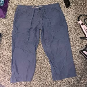 {MOSSIMO SUPPLY CO.} Cropped Cargo Pants